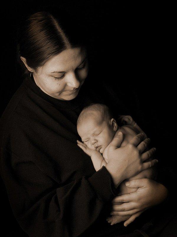 Newborn-Mother-and-Baby-Sepia2.jpg