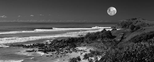 Image 3 - Full Moon Cabarita.jpg