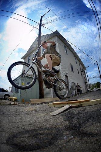 005_bike_riders_alley_2008_baltimore.jpg