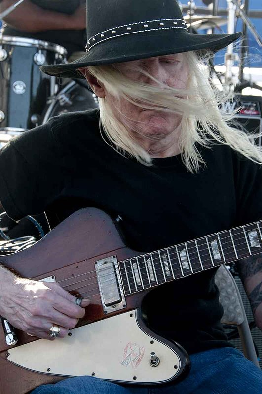 JLW-Johnny Winter-LRBC-2009-0125-009e.jpg