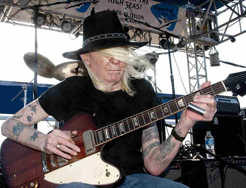 JLW-Johnny Winter-LRBC-2009-0125-013e.jpg