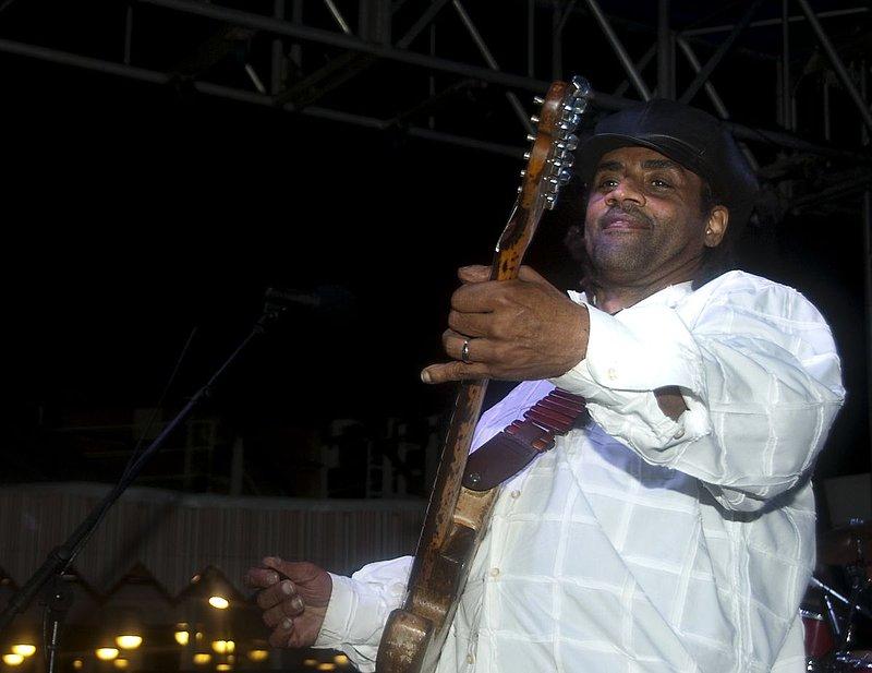 Jam-KN-Kenny Neal-LRBC-2010-0123-039e.jpg
