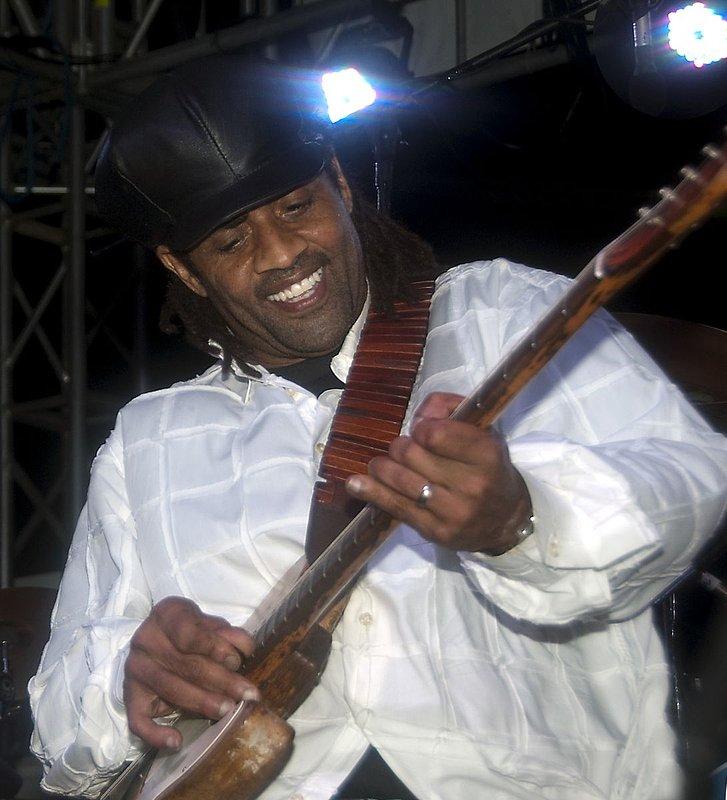 Jam-KN-Kenny Neal-LRBC-2010-0123-040e.jpg