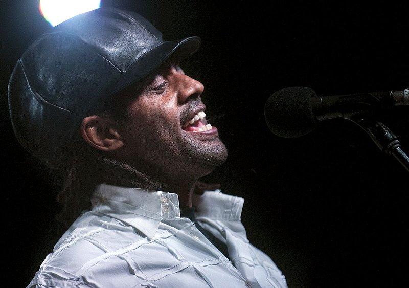 Jam-KN-Kenny Neal-LRBC-2010-0123-065e.jpg