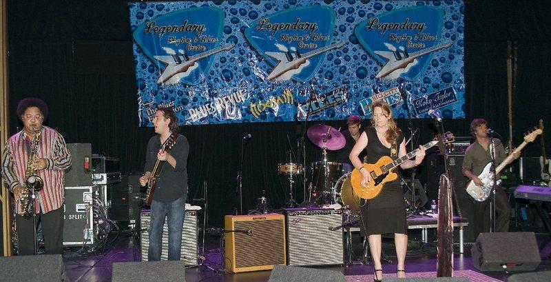 ST-Band-LRBC-2009-1021-005e.jpg