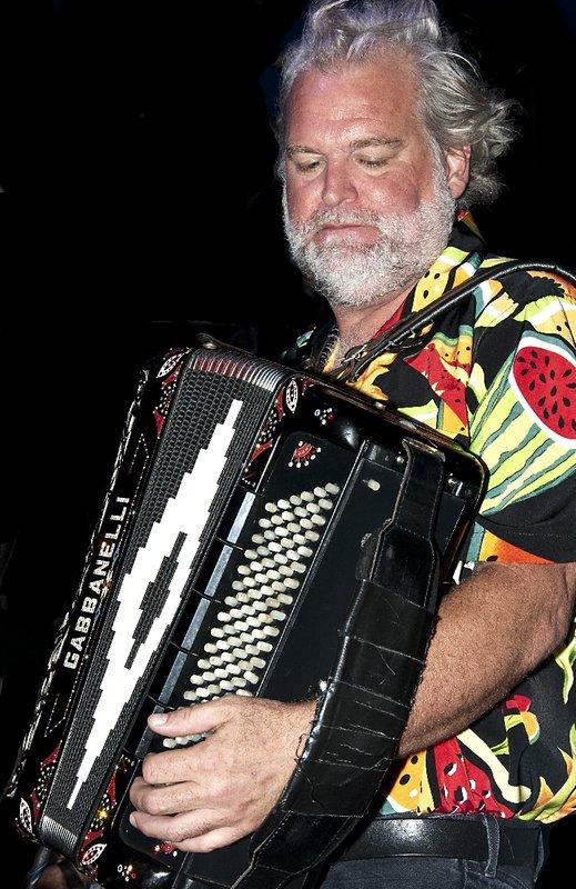 TB-Johnny Sansone-LRBC-2010-0128-010e.jpg