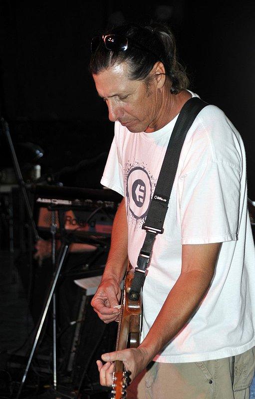 _ND30946e.jpg :: Kevin Pakulis Band, Rialto, Tucson, August 16, 2008
