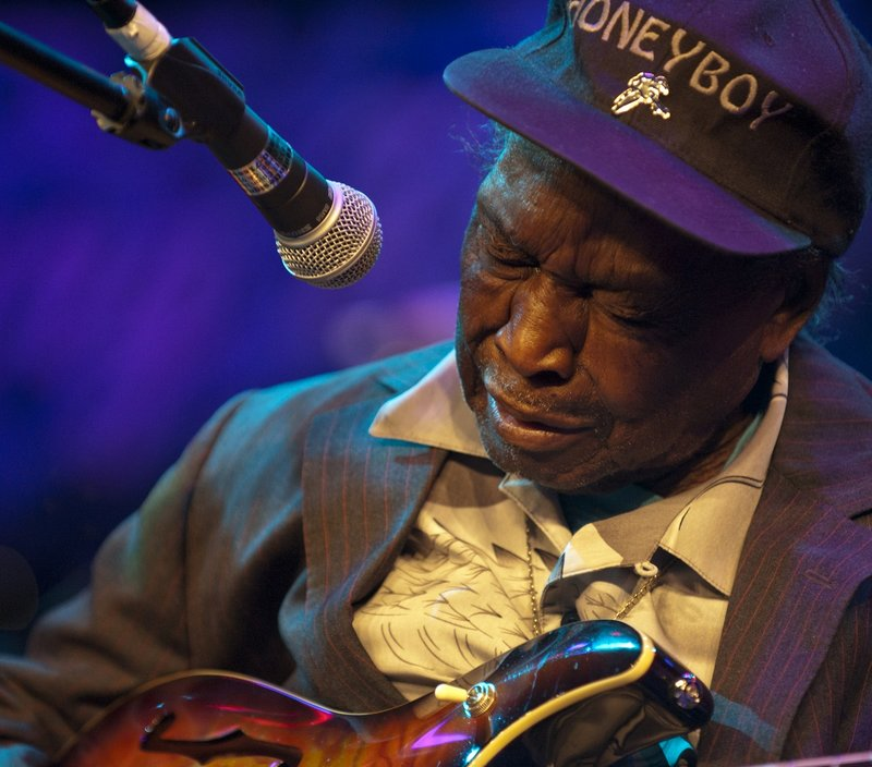 DHE_David_Honeyboy_Edwards_LRBC_Oct_2010_1022_0004e_web.jpg