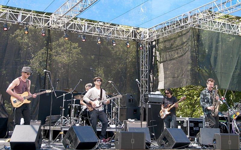 EL-Band-SCrzBF-2010-0529-001e-web1200.jpg