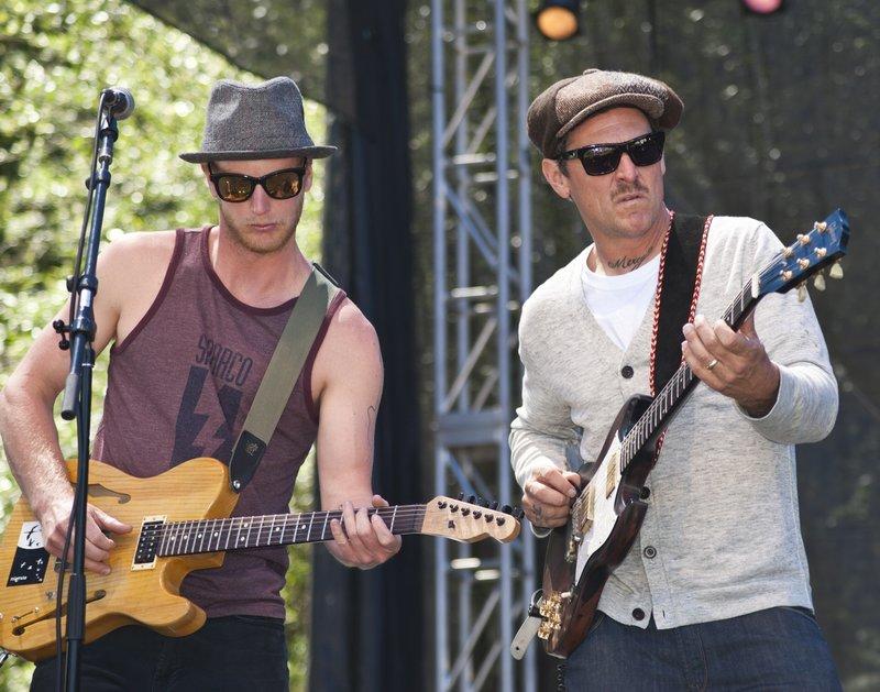 EL-Band-SCrzBF-2010-0529-014e-web1200.jpg