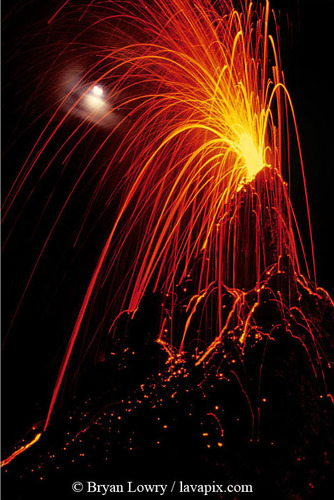 130 - Puu Oo Fireworks 2-14-04-27.jpg