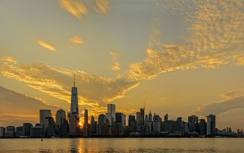 Dawn Over Lower Manhattan Pano.jpg