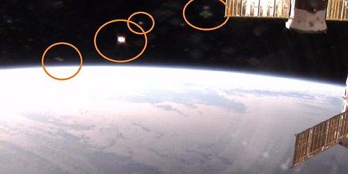 9-7-15 I.S.S.  AND ALIEN CRAFT IN ORBIT--NASA--VEGAS PHOTO.jpg