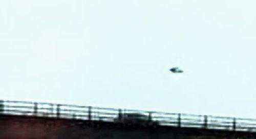 2-6-16 OXFORD ENGLAND--C. FOSTER PHOTO--WORLD UFO PHOTO--B--PIC 1.jpg