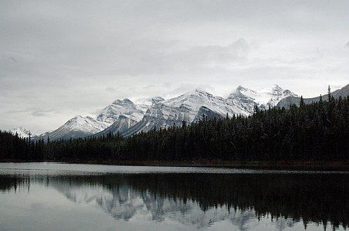Maligne Lake - Jasper NP Canada V2006 9-15-06_155.jpg