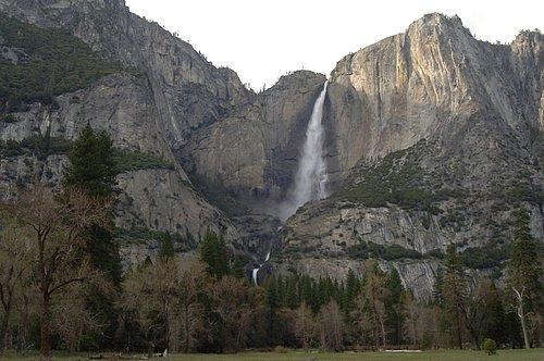 Yosemite Falls - Yosemite NP 4-08-07_023 (3).jpg