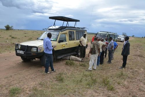 Broken Down in the middle of the Serengeti Plains - Tanzania D5200 336 11-15-14.jpg