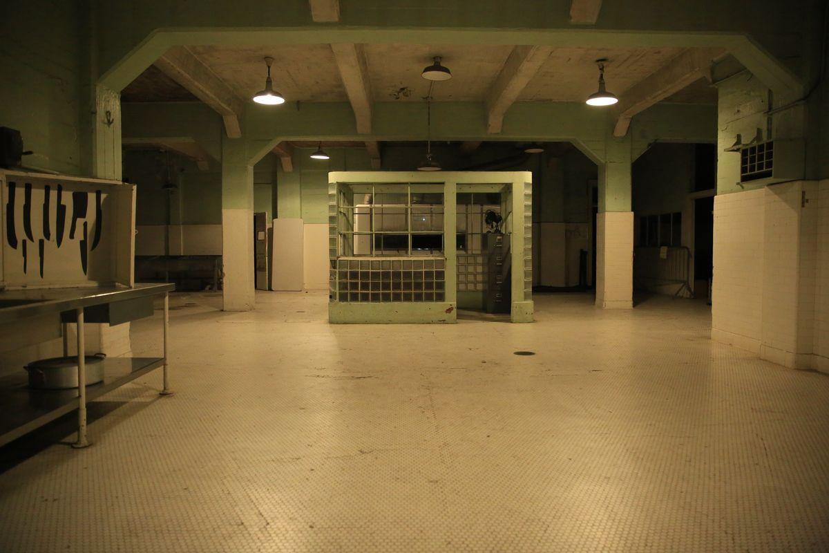 The Terminator & The Tiny Titan [Deathstroke] Alcatraz%20Kitchen