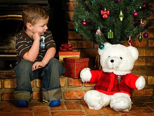 Kid-Christmas-Bear1.jpg