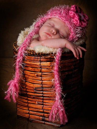 Newborn-Sleeping-Basket22.jpg