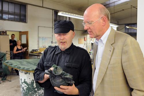 Author Ian Hewitt talks with Andy Roberts DSC_7990.jpg