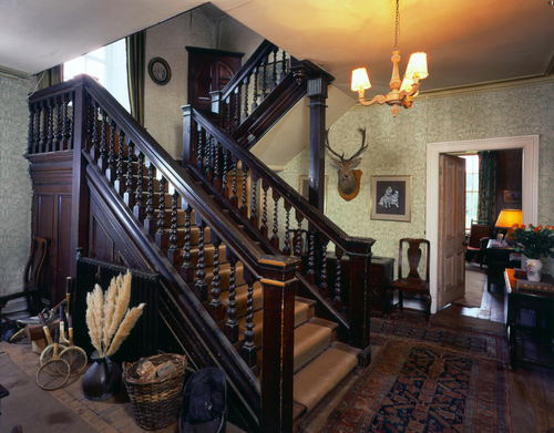 Front Staircase Pipewell.jpg