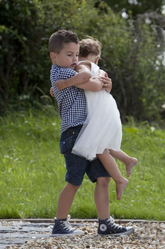 Family-Love-Photography.jpg :: Brotherly love outside photography