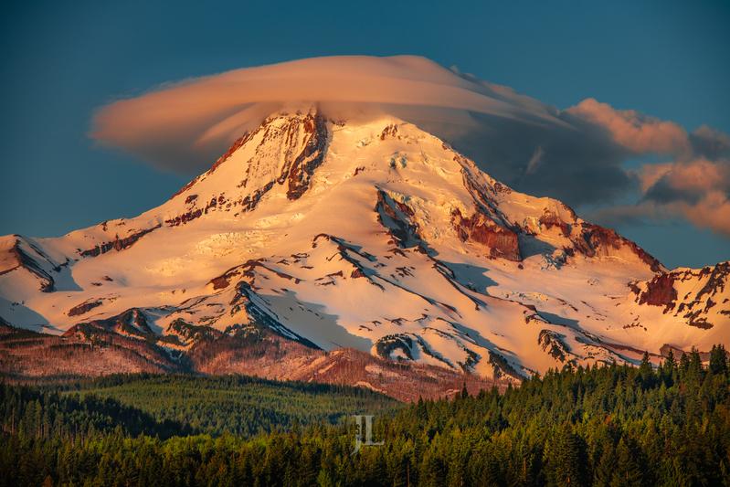 Mt-Hood-cloud-capped_JRL1474-Edit(1).jpg :: Could on top of Mt Hood