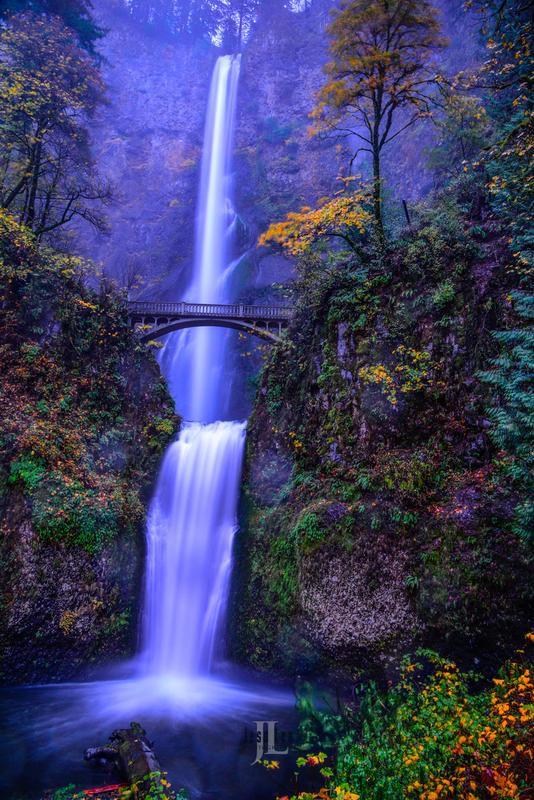 Multnomah-falls_LEE4200(1).jpg :: Autumn at Multnomah Falls