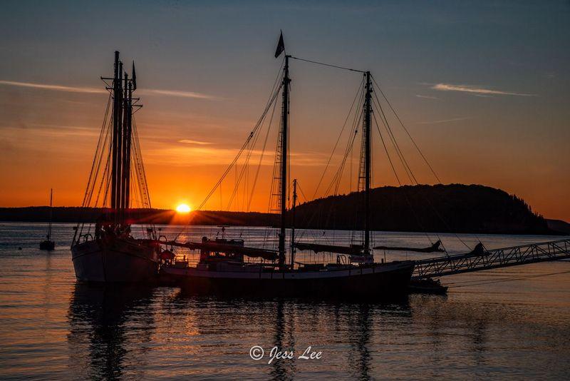Sailboatsunburst-04711.jpg