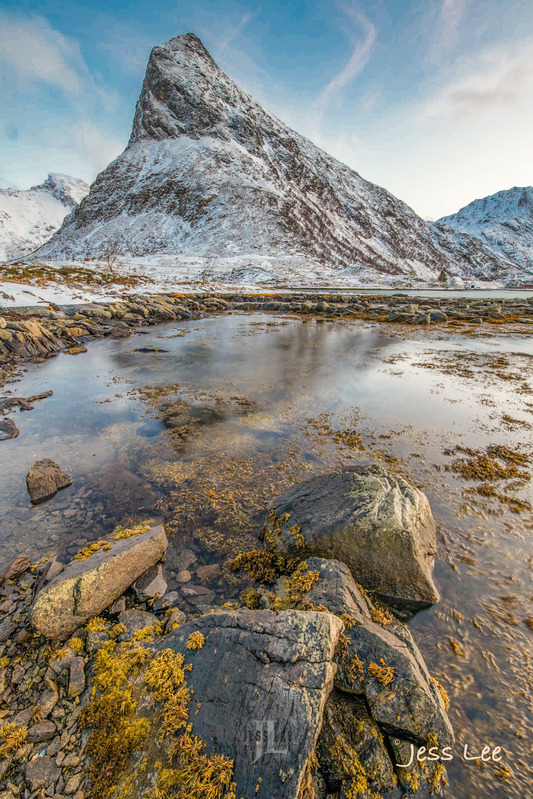 _JRL0572-b553e.jpg :: Lofoten Norway winter photo workshop by Jess Lee