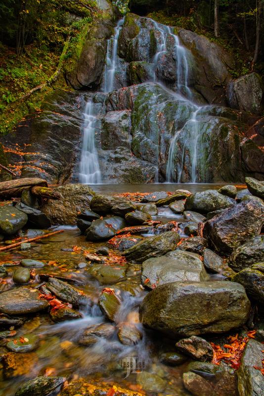 autum stream falls vert-1171.jpg