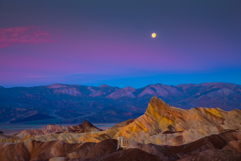 death-valley-moonset-.jpg :: Fine art Limited edition print of moonset over death valley