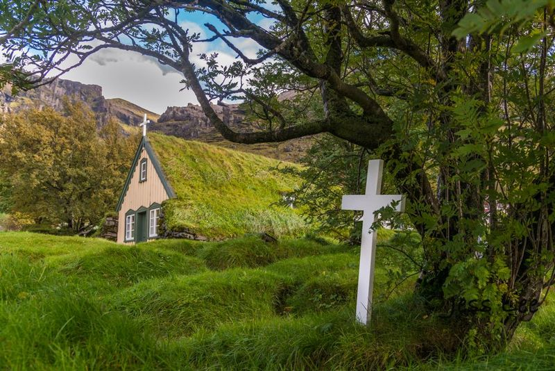 icelandic-church-2.jpg
