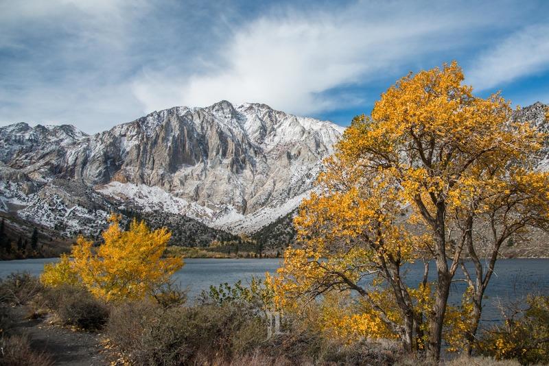 sierra-nevada-fall-color-cv-lakehorz-0589.jpg :: Sierra Nevada lake with autumn color and snow.