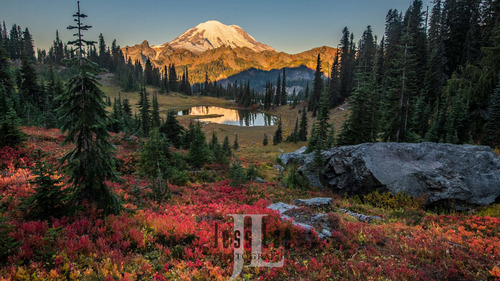 Rainier-sunrise-6025-HDR.jpg