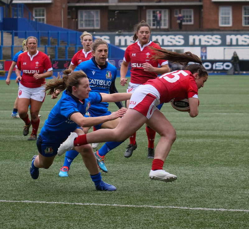 PGG97751.jpg :: Kayleigh Powell (Wales) in action during the  Womens Six Nations Rugby at Cardiff Arms Park Cardiff United Kingdom on February 02 2020 Graham / GlennSports