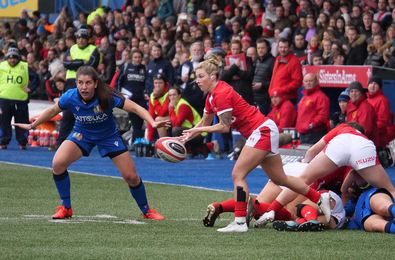 PGG97764.jpg :: Keira Bevan (Wales)in action during the 