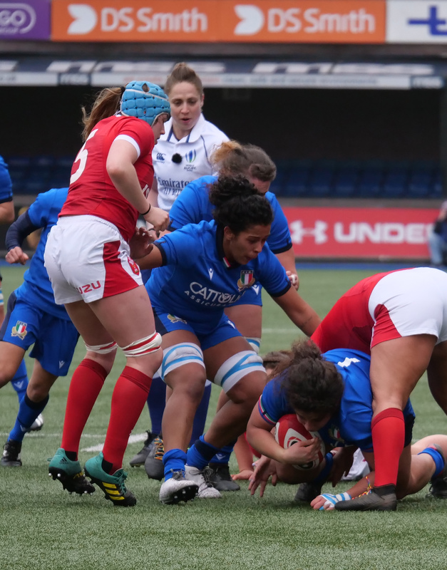 PGG97834.jpg :: Silvia Turani (Italy) in action during the  Womens Six Nations Rugby at Cardiff Arms Park Cardiff United Kingdom on February 02 2020 Graham / GlennSports