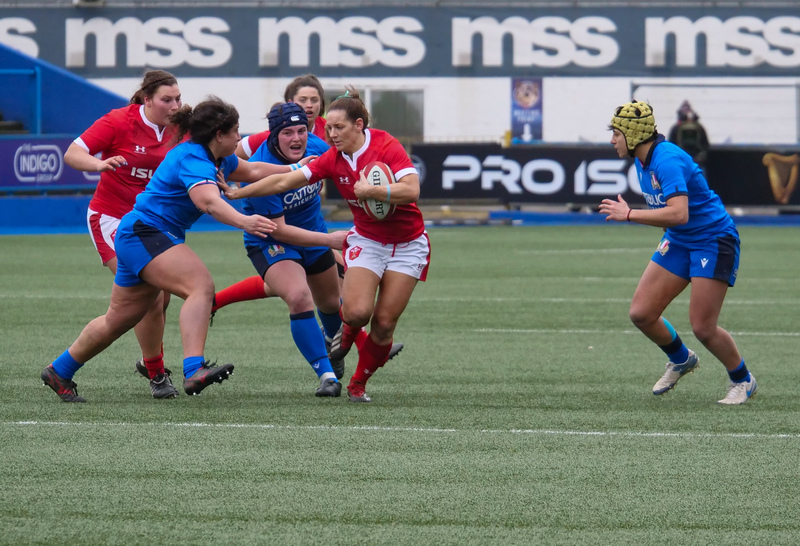 PGG97857.jpg :: Kerin Lake (Wales) in action during the  Womens Six Nations Rugby at Cardiff Arms Park Cardiff United Kingdom on February 02 2020 Graham / GlennSports