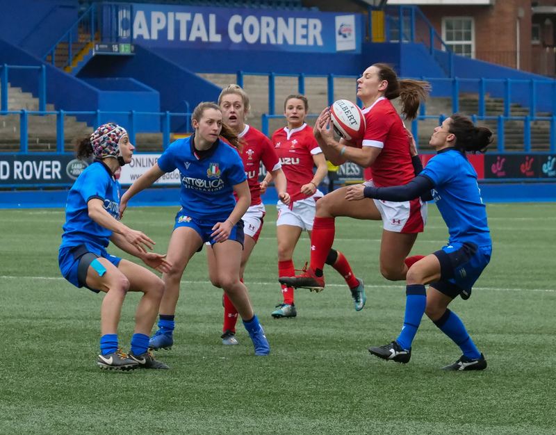 PGG97870.jpg :: Kerin Lake (Wales) in action during the  Womens Six Nations Rugby at Cardiff Arms Park Cardiff United Kingdom on February 02 2020 Graham / GlennSports