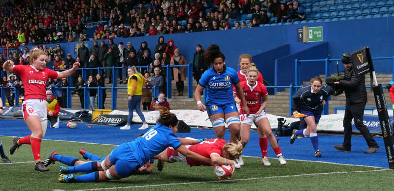 PGG97906.jpg :: Kelsey Jones (Wales) scores try during the 