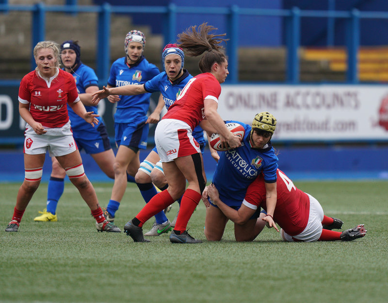 SA900725.jpg :: Robyn Wilkins (Wales) tackles Beatrice Rigoni during the  Womens Six Nations Rugby at Cardiff Arms Park Cardiff United Kingdom on February 02 2020 Graham / GlennSports