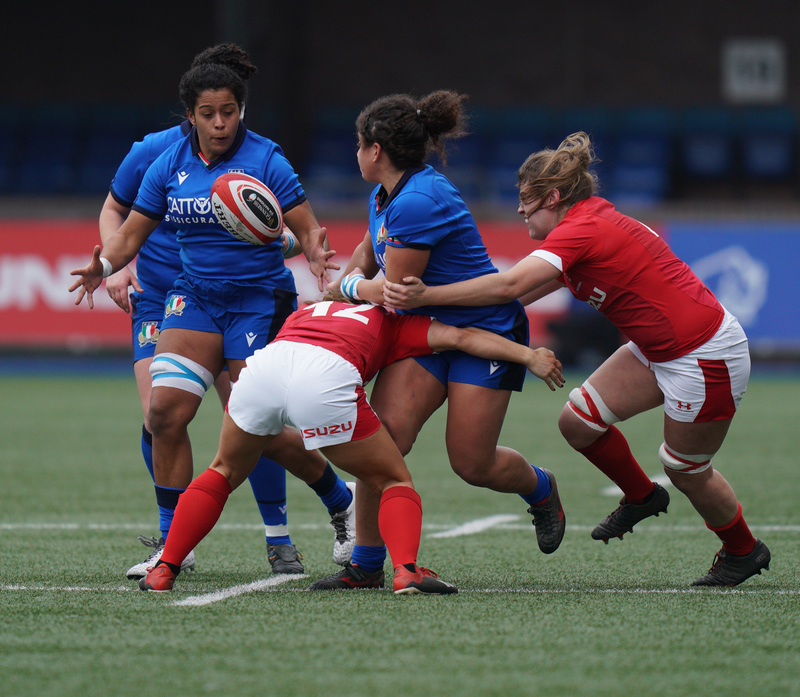 SA900749.jpg :: Giada Franco (Italy) in action during the  Womens Six Nations Rugby at Cardiff Arms Park Cardiff United Kingdom on February 02 2020 Graham / GlennSports