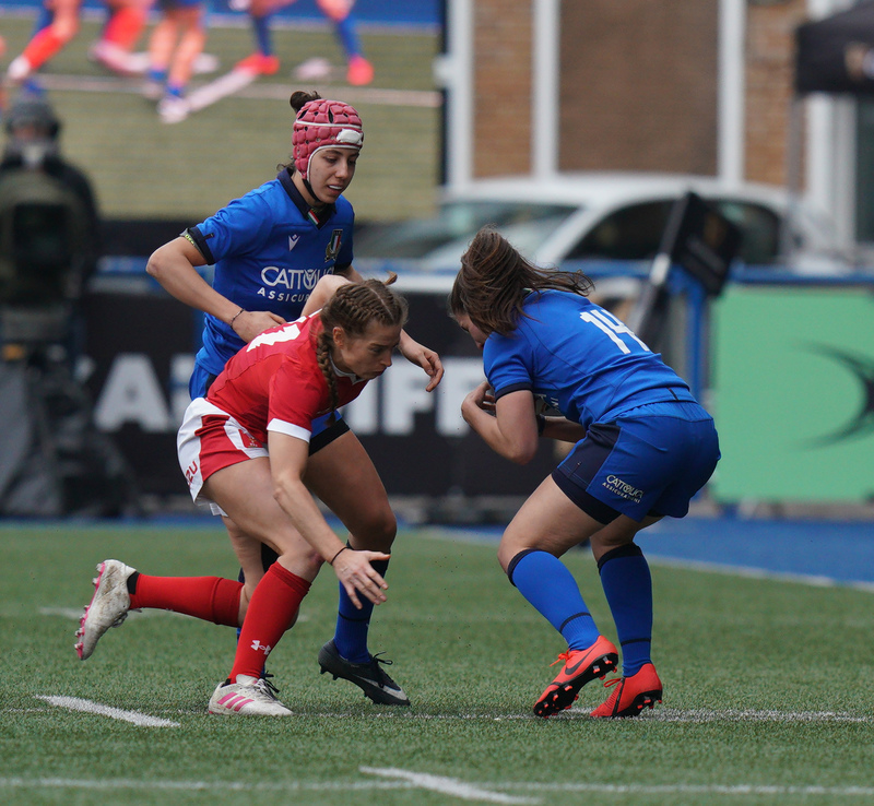 SA900888.jpg :: Jasmine Joyce (Wales) Maria Magatti in action during the  Womens Six Nations Rugby at Cardiff Arms Park Cardiff United Kingdom on February 02 2020 Graham / GlennSports