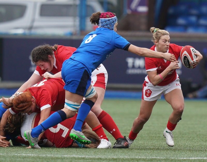 SA900976.jpg :: Keira Bevan (Wales) in action during the  Womens Six Nations Rugby at Cardiff Arms Park Cardiff United Kingdom on February 02 2020 Graham / GlennSports