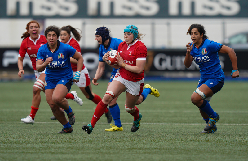 SA901027(1).jpg :: Gwen Crabb (Wales) in action during the  Womens Six Nations Rugby at Cardiff Arms Park Cardiff United Kingdom on February 02 2020 Graham / GlennSports