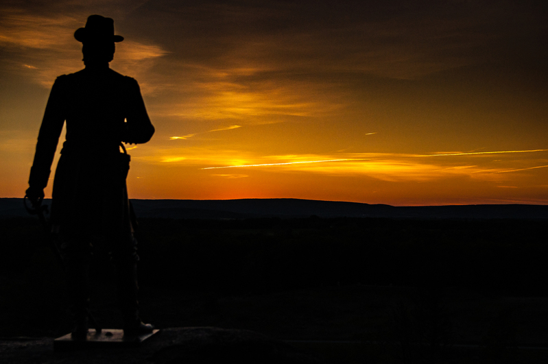 UP-8473(1).jpg :: A sunset with General Warren statue at Gettysburg
