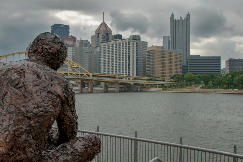 UP-9112(1).jpg :: Statue of Mr. Rogers looking at Pittsburgh