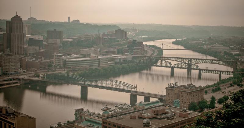 UP-9692(1).jpg :: River heading toward downtown Pittsburgh.